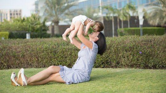 mamás estresadas e hijos con obesidad
